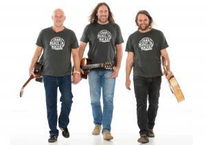 3 Männer nur mit Gitarre -